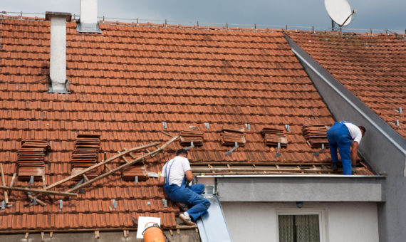 Roofing contractors in Lewisville, TX for a roof replacement